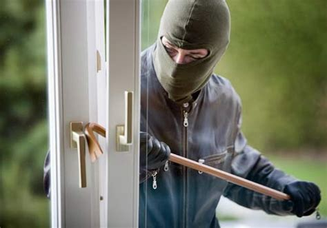robbing a house what to do when you catch a burglar mid crime safewise
