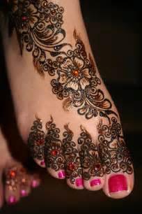 beautiful henna hand art 58