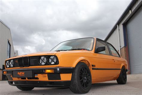 bmw race cars racecarsdirect com bmw e30 320i race car