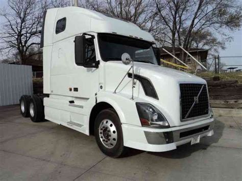 volvo semi truck sleeper volvo volvo 2008 sleeper semi trucks
