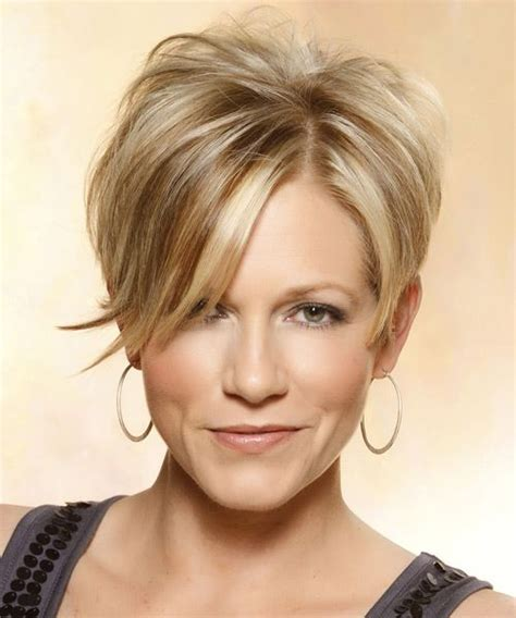 layered short haircuts for women with height on top short straight casual hairstyle with side swept bangs