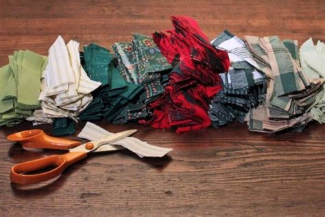 Primitive Decorations For The Home diy make a gorgeous holiday wreath from scrap fabric