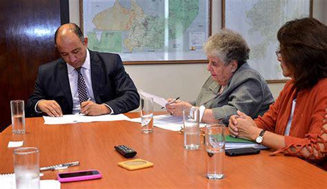 adia asociacin de docentes independientes argentinos el ministerio de educaci 243 n suscribi 243 un convenio con la