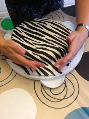 zebra pattern fondant cutter 178 best cakes jungle safari images on pinterest