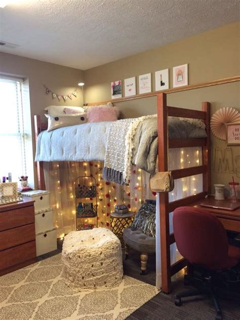 college bedrooms 25 best ideas about college bedrooms on college lights rooms decorating