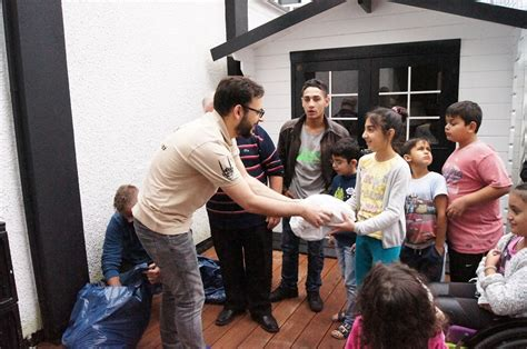 community bank germany help for refugees in germany islamic relief worldwide