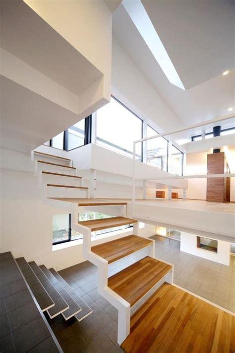 treppenhaus für kleinen raum treppe idee gerade