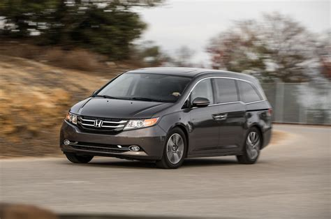 2015 Honda Odyssey by 2014 Vs 2015 Honda Odyssey Touring Elite Html Autos Post