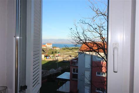 malinska insel krk preiswerte wohnung mit balkon