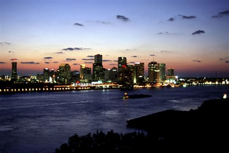 only pictures new orleans skyline