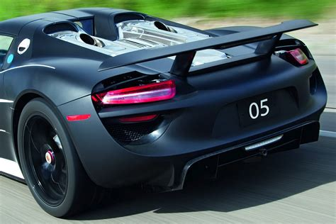 porsche hybrid supercar porsche reveals pre production 918 spyder in hybrid