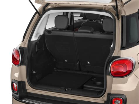 fiat 500l trunk 2014 fiat 500l pictures photos gallery the car connection
