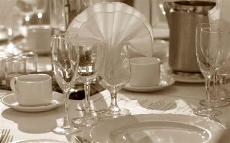 Glasses Table Setting Dinner Ware Wine Glasses Chagne Glasses Table Settings Wine Buckets Pint Glasses Dinner
