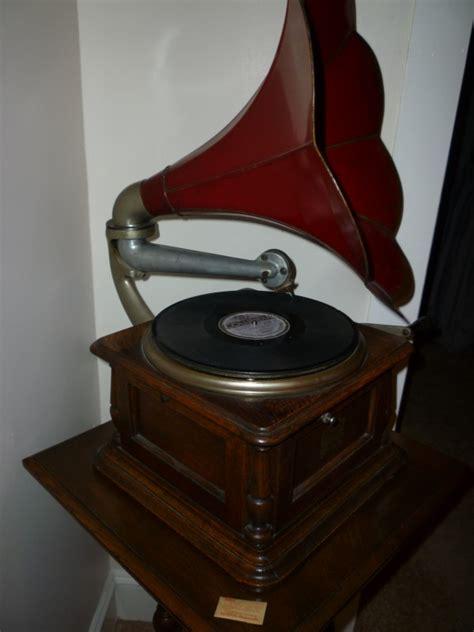 columbia disc gramophone phonograph obnoxious antiques