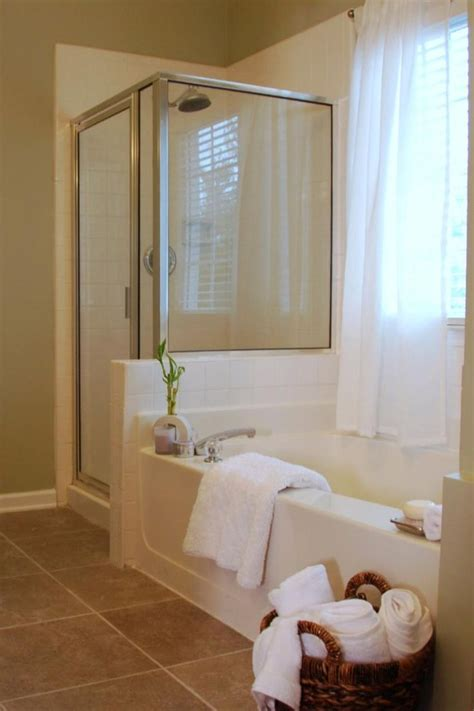 bathroom staging ideas best 25 bathroom staging ideas on pinterest bathroom