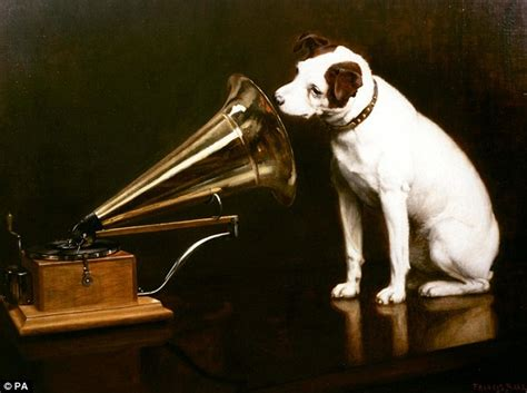 film up hond top of the dogs hmv s nipper gets blue plaque his