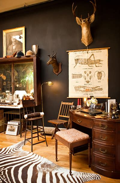 Hollister Bedroom Themes Vintage Evocative Everything Stands Out Against