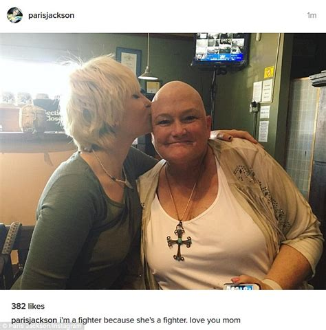 paris jackson mother paris jackson smiles as she meets cancer stricken mom
