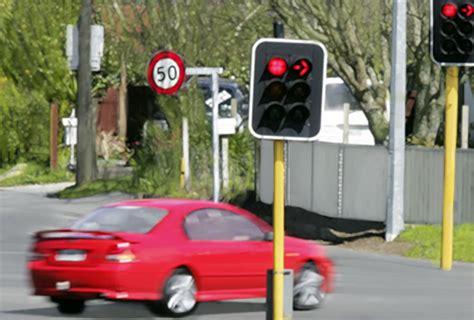 running a light ticket how running a light ticket affects your car insurance