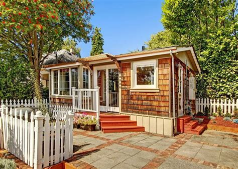 tiny house rentals seattle seattle s coolest short term tiny house rentals curbed