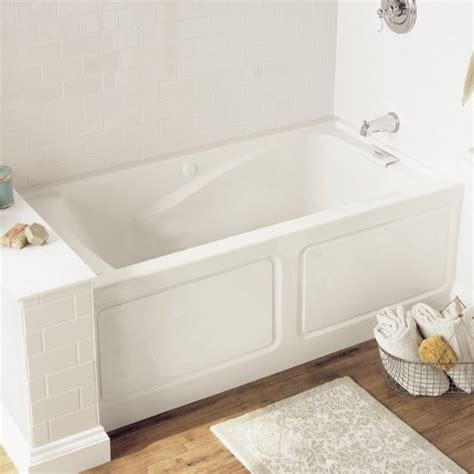 how deep is a standard bathtub american standard 2425v lho002 020 evolution 5 feet by 32 inch deep soak bathtub with