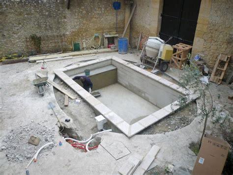Construire Sa Piscine Prix 4687 by Faire R 233 Nover Sa Piscine