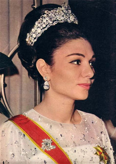 queen farah pahlavi iran iran queen farah pahlavi diba the iran royal family flickr