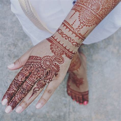 hire the brooklyn henna company henna tattoo artist in