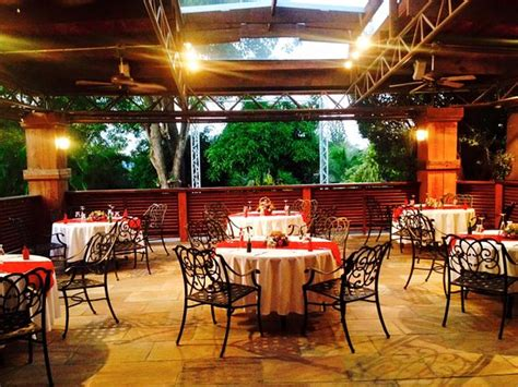 restaurants in san fernando valley with room prive restaurant and conference centre san fernando 23 26 south trunk road la romaine