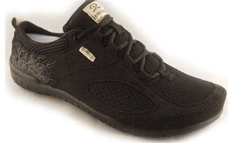 wide toe box athletic shoes walk right before you run and only in the right shoes