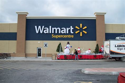 walmart closing time for walmart canada new years day hours 28 images all new