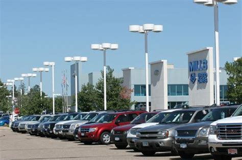 Mills Ford Lincoln : Baxter, MN 56425 Car Dealership, and