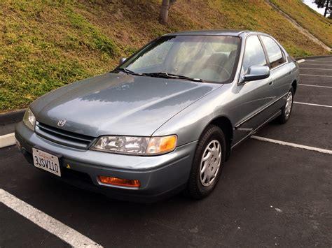 00 Honda Accord by 1994 Honda Accord Lx 1994 Honda Accord Lx Sedan 3 400