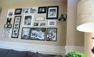 ideas for displaying pictures on walls helpful hints for displaying family photos on your walls