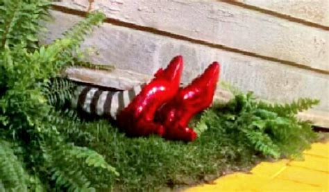 ruby slippers under house wicked witch of the east oz wiki the wonderful wizard of oz