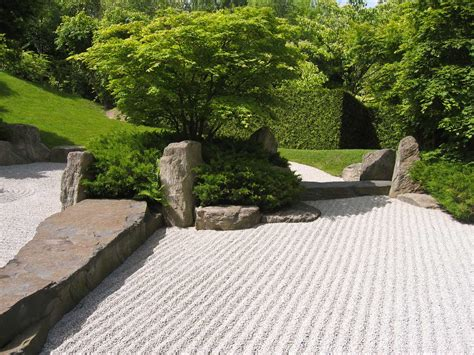 Artistic Gardens by Boulders As Artistic Features