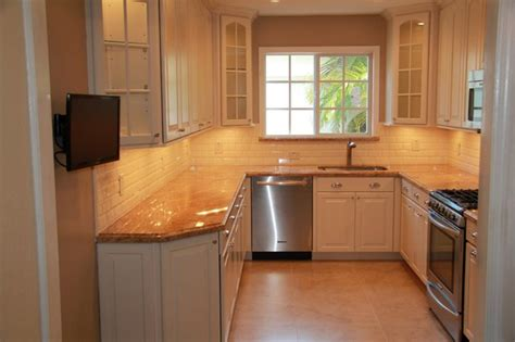 U Shaped Small Kitchen Designs Kitchen Remodel Traditional Kitchen