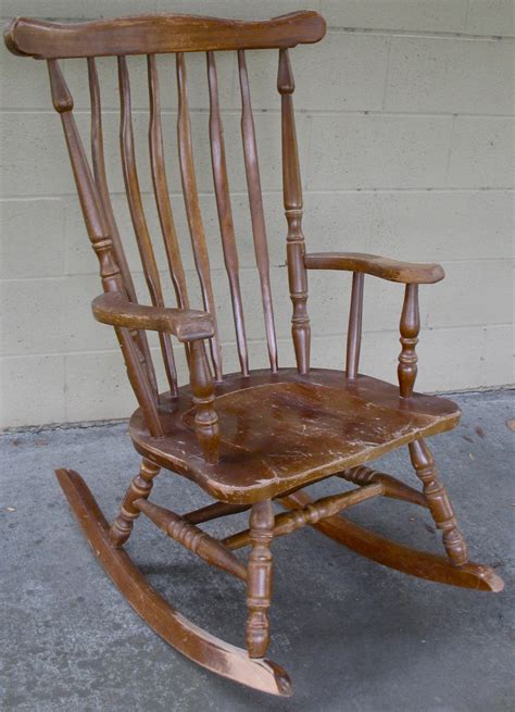 the craftsman custom finish for a classic rocking chair