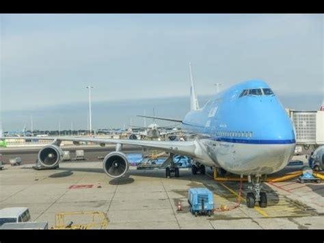 beautiful vortex from 737 800 landing in cat ii klm boeing 737 800 amsterdam to copenhagen business