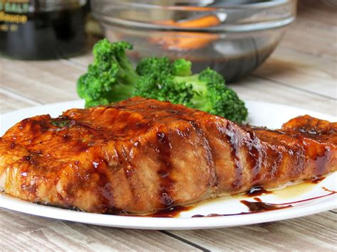 bourbon glazed salmon yummy addiction