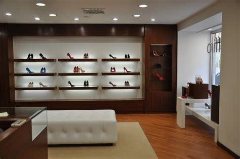 arredamenti per negozi arredamento per negozio in legno fadini mobili cerea verona