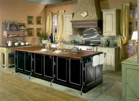 Hotte Cuisine Design #1: Cuisine-design-moderne-hotte-aspirante-comptoir-moderne-resized.jpg