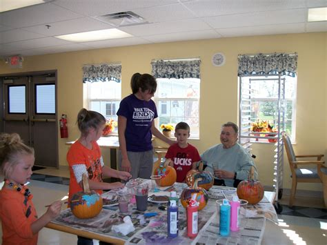 Retirement Home Volunteer Nursery Homes Volunteer Thenurseries