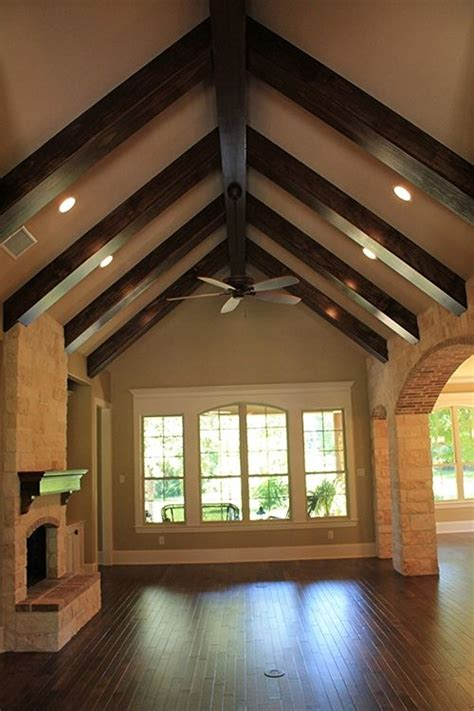 vaulted ceiling beams 25 best ideas about vaulted ceiling lighting on pinterest