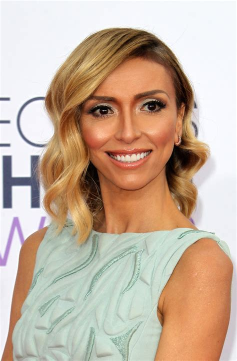 is juliana rancic forehead normal size dlisted the 41st annual people s choice awards arrivals