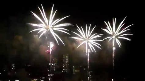 new york fireworks new years new year fireworks new york city manhattan nyc 2016