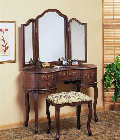 Vintage Bedroom Vanity With Mirror by Vanity For Bedroom Vintage Makeup Vanity Antique Bedroom