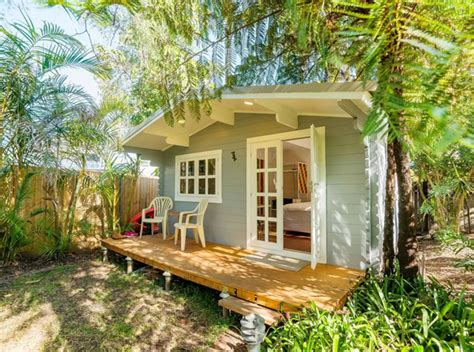 building a tiny house rental collection on airbnb com little listings 10 tiny airbnb homes for rent in australia