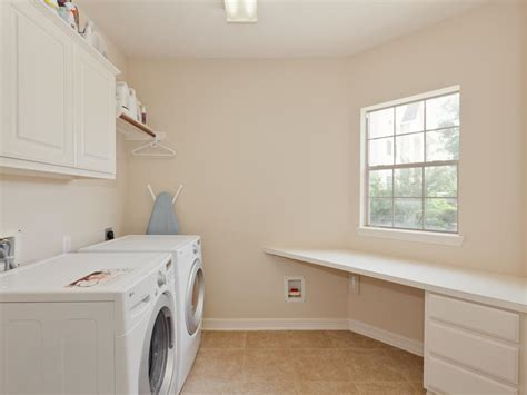 hell beige wandfarbe laundry room awesome white laundry room decoration using