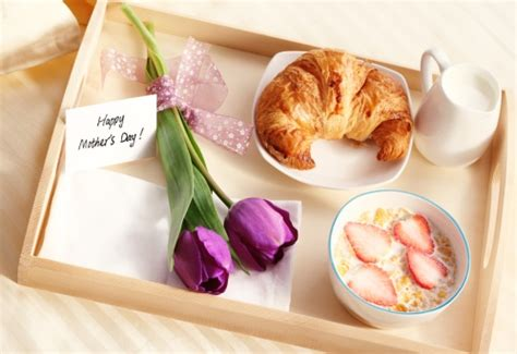 mother s day breakfast in bed mother s day recipes for breakfast in bed 171 cbs chicago